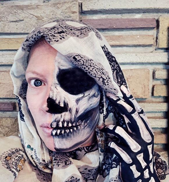 284 half skull.jpg